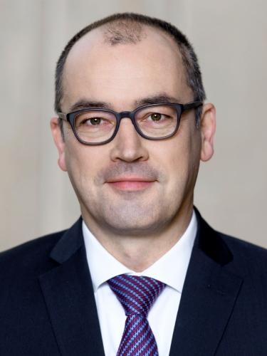 Dr. Lars Niemann